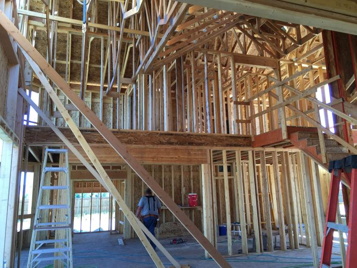 Roof trusses and rough framing livingroom wall