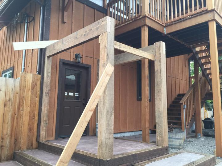 breezeway posts and timbers